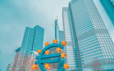 Devises: l'euro pointe au plus haut