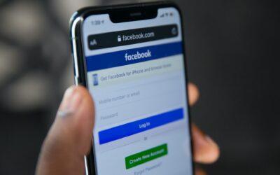 Facebook : panne mondiale et polémique