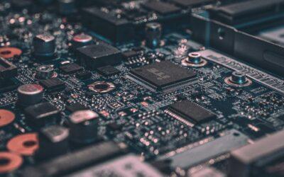 Le secteur technologique évolue autour de son point critique long terme mais semble rebondir